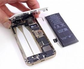 تجربة قارئ مع أبل و تغيير بطارية آي-فون 5