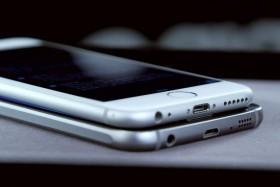 جالاكسي إس 6 أفضل آي-فون قامت سامسونج بإنتاجه