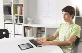 متاجر آبل في دولة الإمارات تقدم ورش عمل للتوعية بتمكين سبل تواصل لذوي الاحتياجات الخاصة