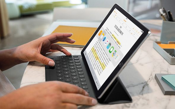 iPad-pro-with-keyboard-notes-app-switcher.