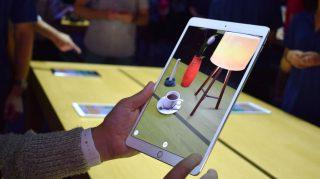مدهش: شاهد جديد ما فعله المطورون بحزمة تطوير الواقع المعزز في iOS 11