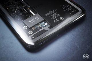 يالا الروعة آي-فون شفاف ، هل هذا ممكن ؟