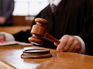 أبرز المعارك القانونية بين أبل وغيرها من الشركات