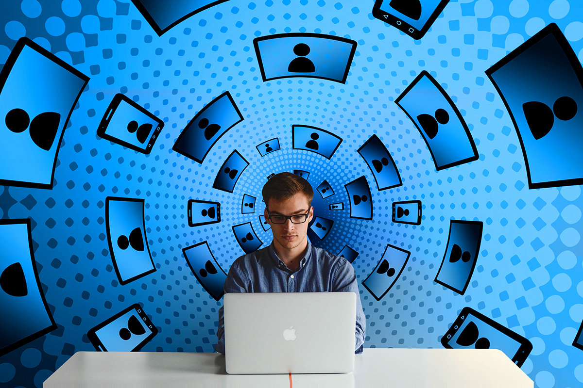 b6b06d946ddd9 لا شك أن المخاوف المتعلقة بالخصوصية بسبب ما يحدث بين الحين والآخر من  اختراقات لأكثر الشبكات الاجتماعية الحالية انتشارا مثل الفيسبوك و واتسآب،  تمنح أبل فرصة ...